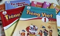 Nhiều giáo viên, phụ huynh phản ánh Tiếng Việt 1 khó, nặng nề đối với học sinh.