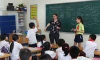 Bộ GD&ĐT trả lời về rối quy định chứng chỉ cấp phép cho giáo viên tiếng Anh.