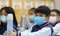 Nhiều trường Hà Nội cho học sinh nghỉ học vì liên quan COVID-19