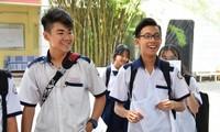 Nhiều phụ huynh hoang mang, tranh cãi vì quy định mới tuyển sinh lớp 10 Hà Nội.