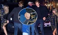 Taylor Swift lần đầu công khai nắm tay tình trẻ trên phố đông