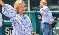 'Người đẹp thành Troy' Diane Kruger lần đầu lộ bụng bầu ở tuổi 42