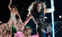 Jennifer Lopez 50 tuổi múa cột mặc bốc lửa nhảy sung ở Miami