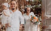 Nhóm bạn tự tay làm tiệc kỷ niệm ngày cưới cực chất trong rừng