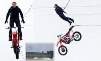 'Thót tim' Tom Cruise nhảy khỏi mô tô từ độ cao 150 mét không cần đóng thế