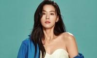 Nhan sắc trẻ mãi không già của 'minh tinh trái đất' Jun Ji Hyun