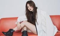 Song Hye Kyo gợi cảm bất ngờ với style tóc nâu môi trầm