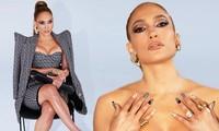 Jennifer Lopez ngực đầy siêu gợi cảm ở tuổi 51