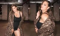 Người mẫu béo Ashley Graham tiết lộ bí quyết nâng ngực bằng... băng dính