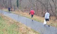 Người đàn ông mỗi ngày đi bộ 20 km để nhặt rác