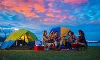 Cắm trại, yoga retreat... và những xu hướng du lịch hấp dẫn giới trẻ
