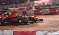 'Quái thú' F1 lăn bánh trên đường đua thử Mỹ Đình