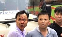 Tài xế xe khách đánh nhau như côn đồ giữa trung tâm Hà Nội