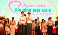 Niềm tin mãnh liệt của chàng trai khiếm thị Nguyễn Văn Hoàng