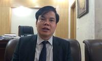 Ông Lê Đình Vinh trao đổi với PV Dân trí (Ảnh: Thế Kha)