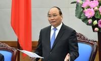 Thủ tướng Nguyễn Xuân Phúc khẳng định, việc xây chung cư cao tầng trong nội đô khiến giao thông ùn tắc, quá tải.