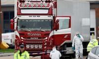 Hiện trường vụ phát hiện 39 người chết trong xe container vào Anh (ảnh Sky News)