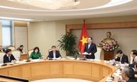Phó Thủ tướng Vương Đình Huệ phát biểu tại cuộc họp (ảnh T.C)