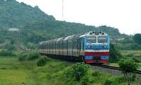 """Ngành đường sắt từng có nguy cơ dừng chạy tàu do gặp vướng mắc sau khi chuyển về """"siêu ủy ban"""""""