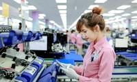 Quốc hội đồng ý chưa thực hiện việc tăng lương - Ảnh: Vietnamnet