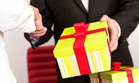 Ban Bí thư nghiêm cấm biếu, tặng quà Tết