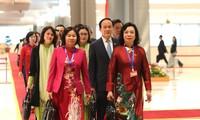Các đại biểu đến dự Đại hội lần thứ XIII của Đảng. Ảnh: Như Ý