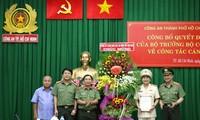 Đại tá Nguyễn Sỹ Quang - Trưởng phòng Tham mưu Công an TPHCM nhận quyết định bổ nhiệm Phó giám đốc Công an TPHCM. Ảnh CATP