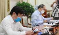 Chủ tịch UBND TPHCM yêu cầu tận dụng '14 ngày vàng' chống dịch COVID-19