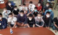 Cận cảnh hung khí nhóm 200 thanh niên áo cam đập phá quán nhậu ở Sài Gòn