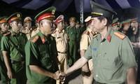 Tân Giám đốc Công an TPHCM chủ trì lễ ra quân trấn áp tội phạm