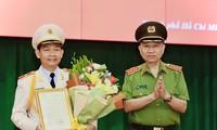 Thăng cấp bậc hàm thiếu tướng cho Phó Giám đốc Công an TPHCM