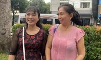 Tâm sự của những người mẹ chờ con dự vòng Sơ khảo Hoa hậu Việt Nam năm 2020