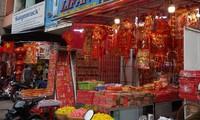 Sắc đỏ ngập tràn, Sài Gòn rộn ràng không khí Tết Dương lịch