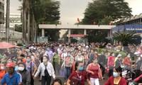 Dịch COVID-19 trở lại, TPHCM có hơn 270.000 công nhân không về quê ăn Tết
