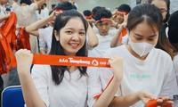 Bạn trẻ hào hứng tham gia hiến máu Chủ nhật Đỏ
