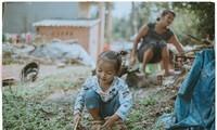 """Xúc động bộ ảnh """"câu chuyện đặc biệt hai mẹ con"""" của nữ nhiếp ảnh gia Quảng Ngãi"""