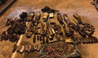 Số vũ khí phát hiện trong nhà Tuân. Ảnh: Công an Sơn La