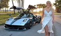 Cô nàng nóng bỏng lái thử siêu xe hút hàng triệu người xem