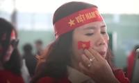 VIDEO: Hàng trăm CĐV sang Philippines cổ vũ U22 Việt Nam