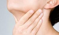 Nhập viện khẩn cấp vì nghe lời 'thày lang gia truyền' chữa khối u tuyến giáp