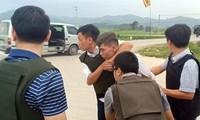 Thông tin bất ngờ vụ ôm súng cố thủ trong xe bán tải ở Hà Tĩnh