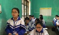 Từ Phương Anh, học sinh lớp 12A1 trường THPT Lạng Giang 2 chia sẻ băn khoăn trước mùa thi 2019