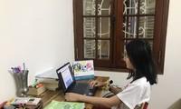 Học sinh đang học online tại nhà