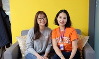 Thu Trà (bên trái), du học sinh Việt tại Mỹ