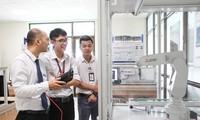 Phó Thủ tướng Vũ Đức Đam yêu cầu kiện toàn bộ máy quản lý trường Đại học Tôn Đức Thắng
