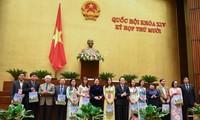 Chủ tịch Quốc hội Nguyễn Thị Kim Ngân gặp gỡ các nhà giáo tiêu biểu toàn quốc