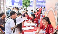 Trường đại học đầu tiên cho sinh viên nghỉ học để phòng chống COVID-19