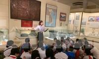 Giáo viên Địa lý sao phải dạy Lịch sử?