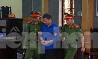 Bị cáo Lò Văn Huynh khai có nhận 1 tỷ đồng từ ông Nguyễn Minh Khoa để nâng điểm cho 2 thí sinh