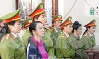 Bị cáo Trần Thị Hiền - mẹ nữ sinh Cao Mỹ Duyên.